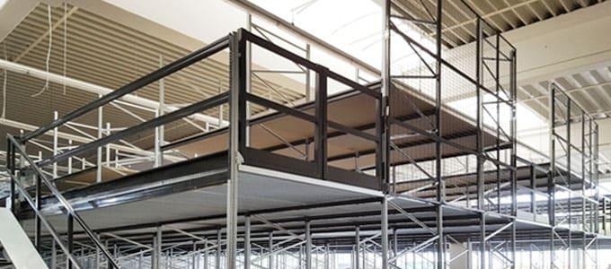 estanterías industriales pasillos elevados