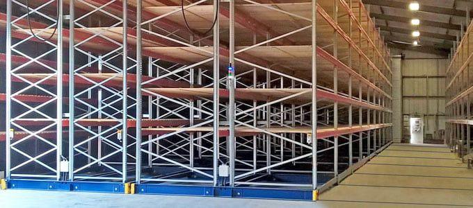 instalación estanterías industriales bases móviles