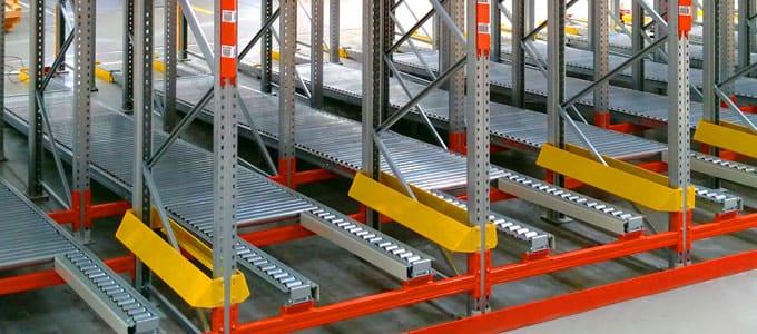 Instalación estanterías industriales rack dinámico