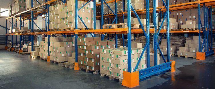 Aplicaciones de las estanterías metálicas en un almacén