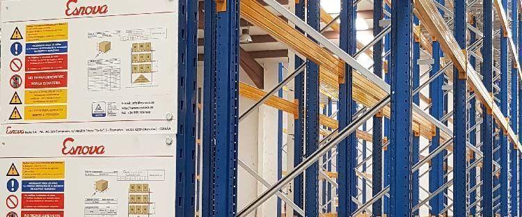 Medidas de prevención para el uso de estanterías metálicas en almacenes