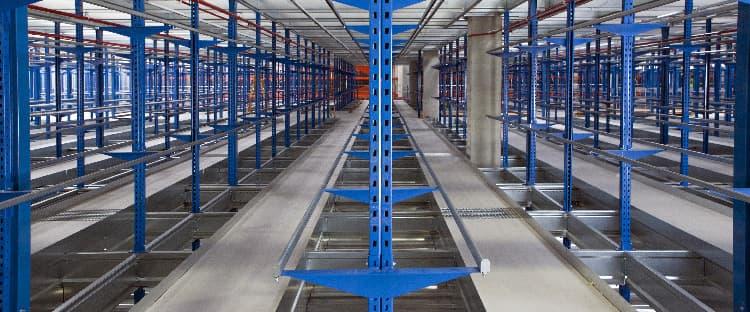 Sistema de almacenaje de prenda colgada: el picking en el sector textil