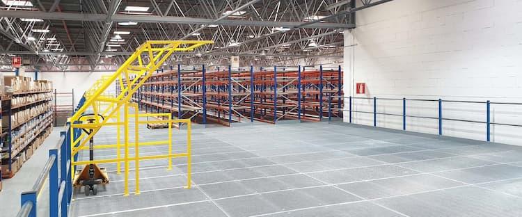 Entreplantas industriales, el mejor sistema para aumentar la capacidad de almacenaje